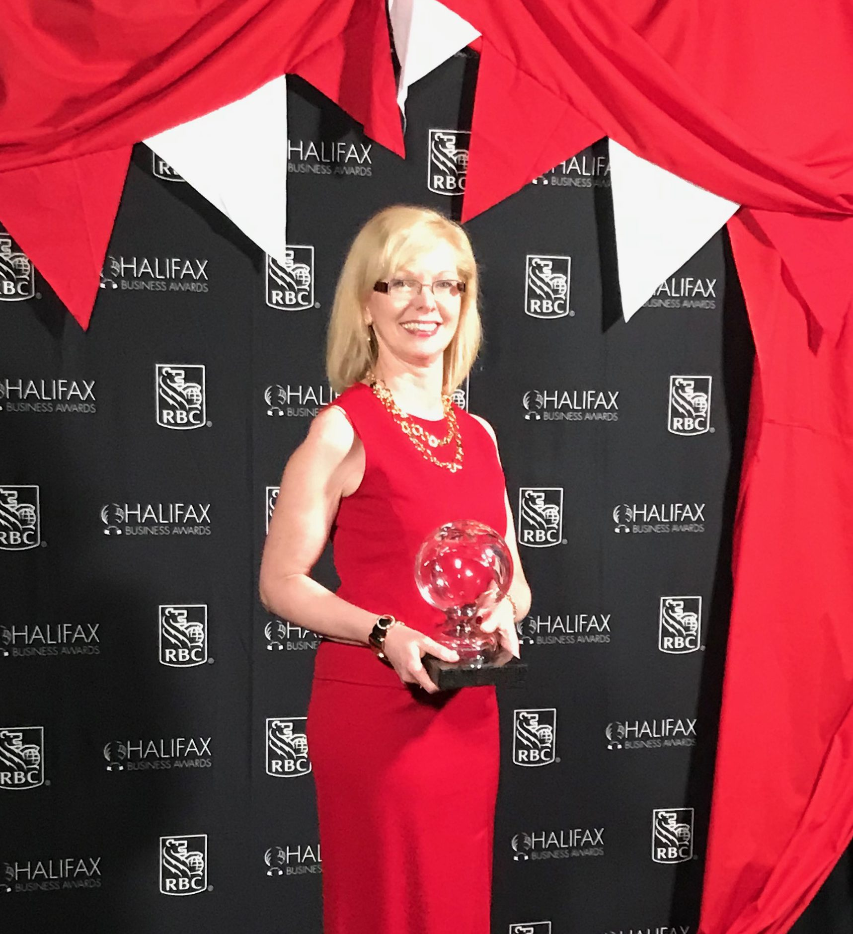 Airport CEO Wins Business Leader of the Year at the 2019 Halifax Business Awards